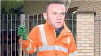 Wayne Rooney đi làm... công nhân dọn vệ sinh