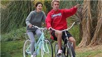 Justin Bieber và Selena Gomez lại bị bắt gặp đạp xe lãng mạn bên nhau