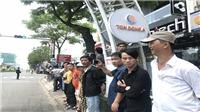 Chùm ảnh: Hàng nghìn người dân Đà Nẵng hào hứng ra đường đón Tổng thống Mỹ Donald Trump