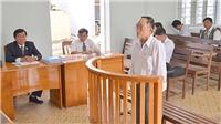 18 tháng tù giam đối với nguyên Chủ tịch Hội Văn học nghệ thuật Bình Thuận