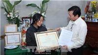 Nhà báo Đinh Hữu Dư được truy tặng Bằng khen về phòng chống thiên tai