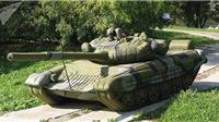 Vì sao nhu cầu 'trang bị' các loại mô hình xe tăng và tên lửa ngày càng tăng trên thế giới?