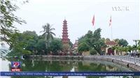 VIDEO: Người dân đi lễ chùa đầu năm mới