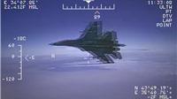 Lầu Năm Góc tung video tiêm kích Nga liệng cánh sát máy bay trinh sát Mỹ