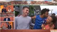 Bị cấm thi đấu vĩnh viễn ở Roland Garros vì cưỡng hôn phóng viên