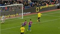 Sao Premier League bỏ lỡ một cơ hội không thể tin nổi
