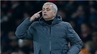Mourinho: 'Chỉ cần một chút gió thôi cầu thủ Man City cũng ngã nhào xuống sân'