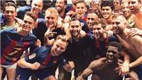 CẢM ĐỘNG: Chụp ảnh ăn mừng chiến thắng trước Real Madrid, Messi vẫn không quên Neymar
