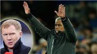Mourinho đã bị 'thế hệ 1992' của M.U chỉ trích như thế nào?