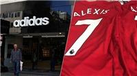 CĐV đã mua áo đấu M.U in tên Sanchez tại cửa hàng adidas