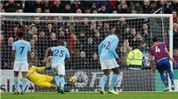 Man City suýt thua, mất cả Jesus lẫn De Bruyne, fan M.U sung sướng ra mặt