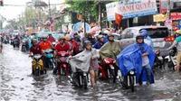 HÌNH ẢNH: Sài Gòn 'thất thủ' sau cơn mưa lớn