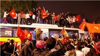 CĐV phấn khích tột độ trước chiến thắng lịch sử của U23 Việt Nam