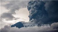 Núi lửa Agung 'thức giấc', ĐSQ Việt Nam tại Indonesia khuyến cáo công dân rời Bali