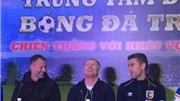 Xem Ryan Giggs và Paul Scholes nói lời chia tay Việt Nam
