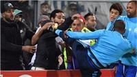 CẬP NHẬT sáng 3/11: Arsenal gặp may ở Europa League. Shaw rời M.U. Evra gây sốc với kung-fu Cantona