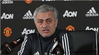 Mourinho: 'Tôi sống ở khách sạn thì đã sao? Tôi không điên mà chia tay M.U'