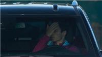 Mikel Arteta đội 2 lần mũ để giấu vết thương sau vụ ẩu đả ở Old Trafford