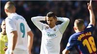 Ronaldo đá hụt bóng ở Kinh điển, có rút lại tuyên bố 'xuất sắc nhất trong lịch sử'?