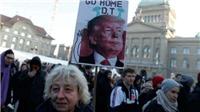Thụy Sĩ: Hàng trăm người biểu tình phản đối Tổng thống Trump tới Davos