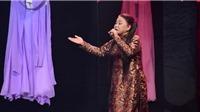 VIDEO: Siu Black dịu dàng hát cải lương, Việt Hương 'nổi da gà'