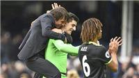 Chelsea vùi dập Everton, thẳng tiến về đích
