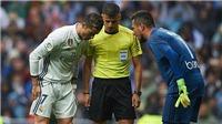 TIẾT LỘ: Ronaldo đã bị 'vua bắt phạt đền' Diego Alves chơi 'tâm lý chiến' như thế nào?
