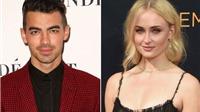 Sansa của 'Game Of Thrones' bất ngờ đính hôn với nam ca sĩ Joe Jonas ở tuổi 21