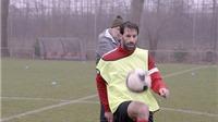 Ruud van Nistelrooy quay lại thi đấu cho Man United?