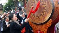 Phó Chủ tịch nước Nguyễn Thị Doan dâng hương khai hội Kinh Dương Vương