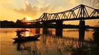 Cầu Long Biên - Người mẹ thời khốn khó