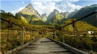 Cầu bản Chu Va hút người đi du lịch
