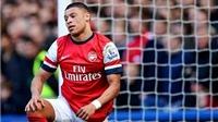 Vụ đuổi nhầm người ở trận Chelsea - Arsenal: Gibbs, Chamberlain và trọng tài đều thoát án phạt