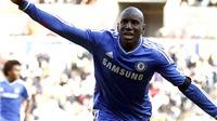 Vũ khí của Chelsea: Dao găm trong vạt áo