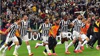 Khoảnh khắc Juventus ăn mừng Scudetto đầy cảm xúc