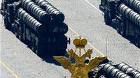 Nga phô diễn khí tài quân sự trong lễ diễu binh kỷ niệm Ngày chiến thắng