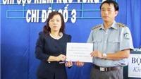 Bộ trưởng Bộ Y tế trao thuốc và trang thiết bị y tế cho lực lượng kiểm ngư