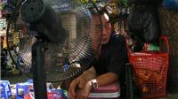 Người Hà Nội 'gia cố' đồ chống nóng