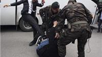 Thổ Nhĩ Kỳ: Trợ lý thủ tướng mất ghế vì đá người