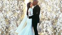 Ảnh cưới Kim Kadarshian phá kỷ lục lượt 'like' trên Instagram