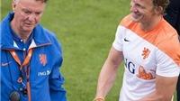 CẬP NHẬT tin chiều 24/6: Van Gaal cho Dirk Kuyt tập làm hậu vệ. Falcao đồng ý gia nhập Real Madrid