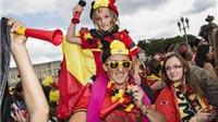 Vua và Hoàng hậu Bỉ đón tiếp 'Quỷ đỏ' trở về từ World Cup 2014