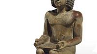 Thành phố Anh hứng bão chỉ trích vì đấu giá bức tượng cổ Ai Cập