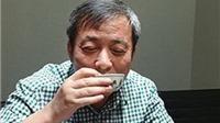 Tỷ phú Trung Quốc 'chơi trội' khi uống trà bằng chén trị giá 45 triệu USD