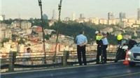 Thổ Nhĩ Kỳ: Cảnh sát 'tự sướng' khi nạn nhân nhảy cầu tự tử