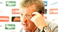 HLV Hodgson văng tục sau khi bị báo giới chỉ trích