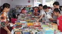 Nhìn từ phố sách:  Thị hiếu nửa mùa, văn hóa đọc ngớ ngẩn lên ngôi?