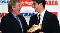 Suarez nhận Chiếc giày vàng châu Âu. Monaco chèo kéo Wenger. Cleverley trở lại Man United?