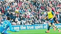 Sunderland - Arsenal (0-2): Manonne mắc sai lầm tai hại, Sanchez ghi cú đúp cho Arsenal