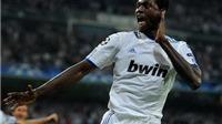 Chelsea gây sốc với ý định mượn Adebayor